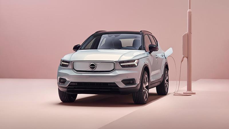 ボルボ・カーズは新しい電動化車両ラインナップに、電気自動車ボルボXC40 Rechargeを導入