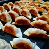 手作りの餃子はやっぱり美味しい。肉汁たっぷり餃子。 レシピ付き