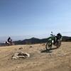 バイクで標高1300m、雲に近し | カリフォルニアのオフロード