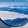 たまたま飛行機に乗ったら富士山の初冠雪に遭遇!