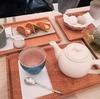 『tubara cafe』で「しみじみ、心ゆくままに」、老舗和菓子と日本庭園の妙を味わう