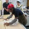 北海道産のそば粉で蕎麦打ち