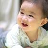 【赤ちゃんは賢い】生後6か月頃の赤ちゃんの発達の様子、寝返りや人見知りも。