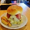 【神奈川】横須賀 TSUNAMIで重量1kgオーバーのネイビーバーガーを食べてみた