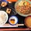 金沢市西念の中央卸売市場近くにある七福で、牛やき肉定食。