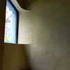 葵区ARTEN「版画のある部屋へ 3人の作家展」と、桃のシャルロット