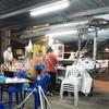 プーチャオサミンプライ通りにある一世代前のタイ料理屋