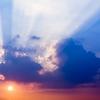 天と地の間で生きている私たち。