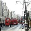 右往左往するロンドンバスの街はホームズの舞台