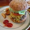 🍀ダコタ ラスティック テーブル 神戸市北区  ハンバーガー  アップルパイ