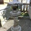 北岡神社の石灯籠と石造物