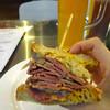 爆盛り肉サンドイッチ「Morty's」が湾仔星街に!香港産クラフトビールのハッピーアワーも。