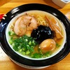【今週のラーメン665】 金久右衛門 梅田店 (大阪・梅新東) なにわブラック(太麺) +煮玉子