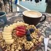 のんびりロコ気分を味わえるカフェでアサイボウル