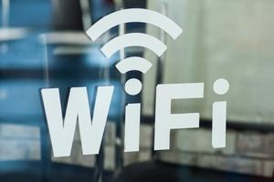 全国のカフェチェーン店でWi-Fiを手軽・安全に利用する方法とは?