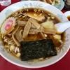 菊名の「中華柳月」でワンタンメンと餃子