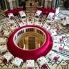 【オーストリア/ウィーン】美しいカフェと驚きのケーキの運び方