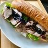 ブルーベリーソースのローストポークサンドイッチ
