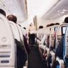 飛行機でトイレに行きたい時、あなたはなんて言う? 飛行機の機内で使える、覚えとくと便利な英語フレーズ!1