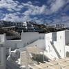 ミコノスベイリゾート&ヴィラズ|海まで10秒!ミコノス島の真っ白なホテル