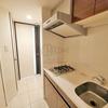 【エスライズ東天満】 調理スペースを確保したガス2口コンロ付きキッチンの1K 25.06平米