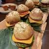 ヴィーガンなのにガツンと美味い!沢野亜伊子料理教室の新メニューは「Vegan Burger」。
