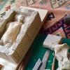 鋳型。「石膏で型を取る、お人形の原型。」