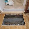 洗面所床(浴室出入り口付近)フカフカ補修 三鷹市