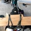 ドラムバッグの荷崩れ対策に木製補助リアキャリア作成