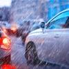 雨で車が汚い。