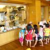 【神奈川県 横浜市南区(井土ヶ谷駅)】 9:00~18:00などフルタイム勤務で基本的に残業もなく定時で上がることができるため安定的に働ける認可保育園での調理師または栄養士の求人です