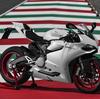 新しい iPhone 5s や 5c で大賑わいだけど、バイク好きには Ducati 899 Panigale 発表!!