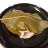日本橋の老舗和菓子店『長門』のくずもち、切り羊羹、桜餅など。