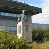太田川を見守る像
