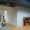 栃木県内某デパートでの夜間工事。たまに見かける白いヤツって何だろう。