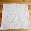 白のガーゼ素材のハンドタオル