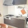 キッチンのリセットと作りおき、迷わない冷蔵庫の工夫。
