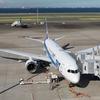 海をバックに飛行機撮影 羽田空港第二ターミナル