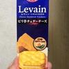 ヤマザキビスケット  ルヴァン チーズサンド ピリ辛チェダーチーズ 食べてみました