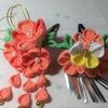 七五三髪飾り オレンジ色系のつまみ細工、水引付髪飾り