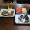 棚に並ぶ魅惑のつまみで大瓶を頂きました  @一宮 日の出寿司食堂 その2