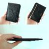 【男性ミニマリストの持ち物⑨】ラルコバレーノの極薄財布スマートミニウォレット