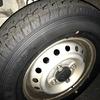 配達用の軽バンのタイヤを交換。タイヤの数字の意味とは。