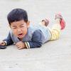 ベトナムの子どもが転んだとき