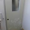 区営住宅 浴室ドア ダイノックシート張り