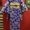 紫地絞り波柄絽小紋×生成地亀甲に小菊と桔梗刺繍絽名古屋帯