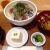 【1000円ランチ】東京駅付近で美味いサバを食べるなら、OOTEMORI地下2階のとろさば食堂。