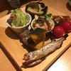 ごはん・酒 山崎で前菜盛り合わせと日本酒(浅草)
