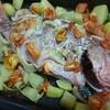 土曜日の魚売りで、魚の丸ごとオーブン焼き