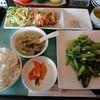 小松市今江にある中華料理屋さん、赤門で青菜炒めとから揚げ。餃子もおすすめらしい。